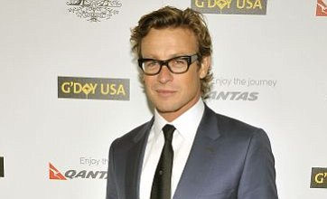 Simon Baker: Guy Pearce has a better US accent than Russell Crowe