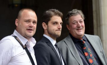 Stephen Fry and Al Murray back Paul Chambers at Twitter joke trial appeal