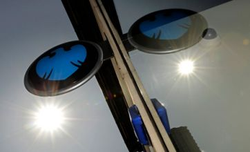 David Cameron: Barclays boss Bob Diamond has 'questions to answer'