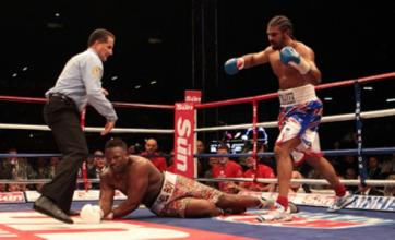 David Haye beats Dereck Chisora with fifth-round stoppage