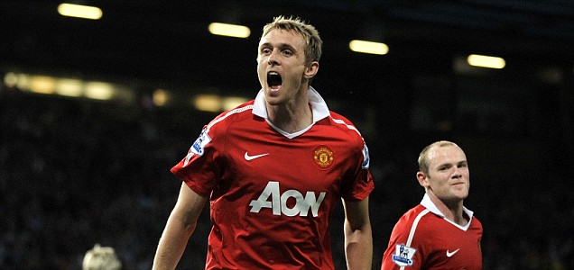 Darren Fletcher scores for Manchester United