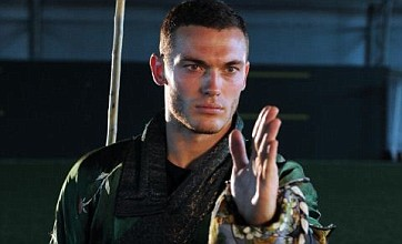 New defensive tactics for Arsenal? Thomas Vermaelen tries out kung fu