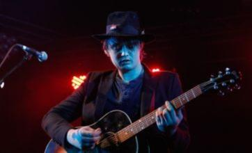 Pete Doherty to reunite with Carl Barat to write new material
