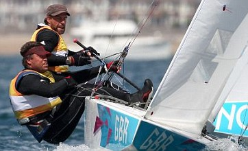 Iain Percy and Andrew Simpson miss out on gold in dramatic final race