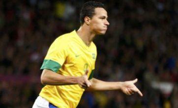 Tottenham re-open talks with Internacional over Leandro Damiao