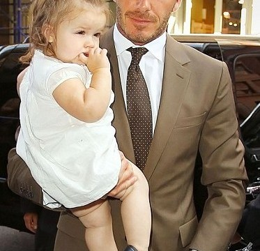 Harper Beckham loves pie and mash just like her daddy David