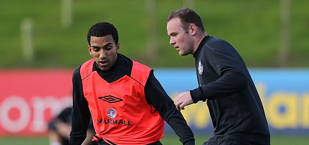 England's Aaron Lennon (left) and Wayne Rooney