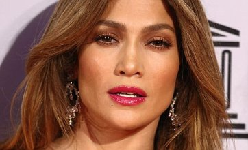 Jennifer Lopez hurt by maid's claim she was fired for asking for autograph