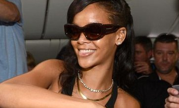 Rihanna admits she'd be willing to go it alone and become a single mum
