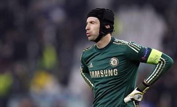 Petr Cech tells Chelsea team-mates to back Rafael Benitez or quit the club