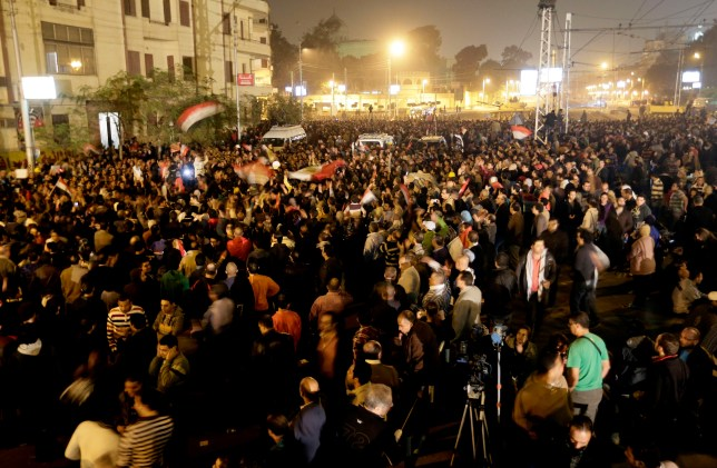 Egyptian protesters outside presidential palace in Cairo