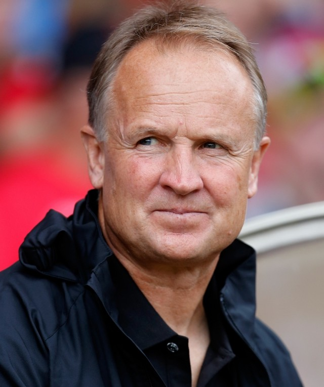 Nottingham Forest sack manager Sean O'Driscoll
