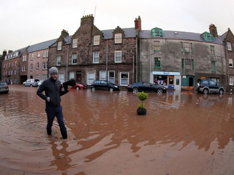 UK floods: Worst-hit areas receive Christmas Eve drenching