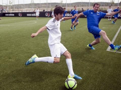 Liverpool set to offer trial to Zinedine Zidane's son Enzo
