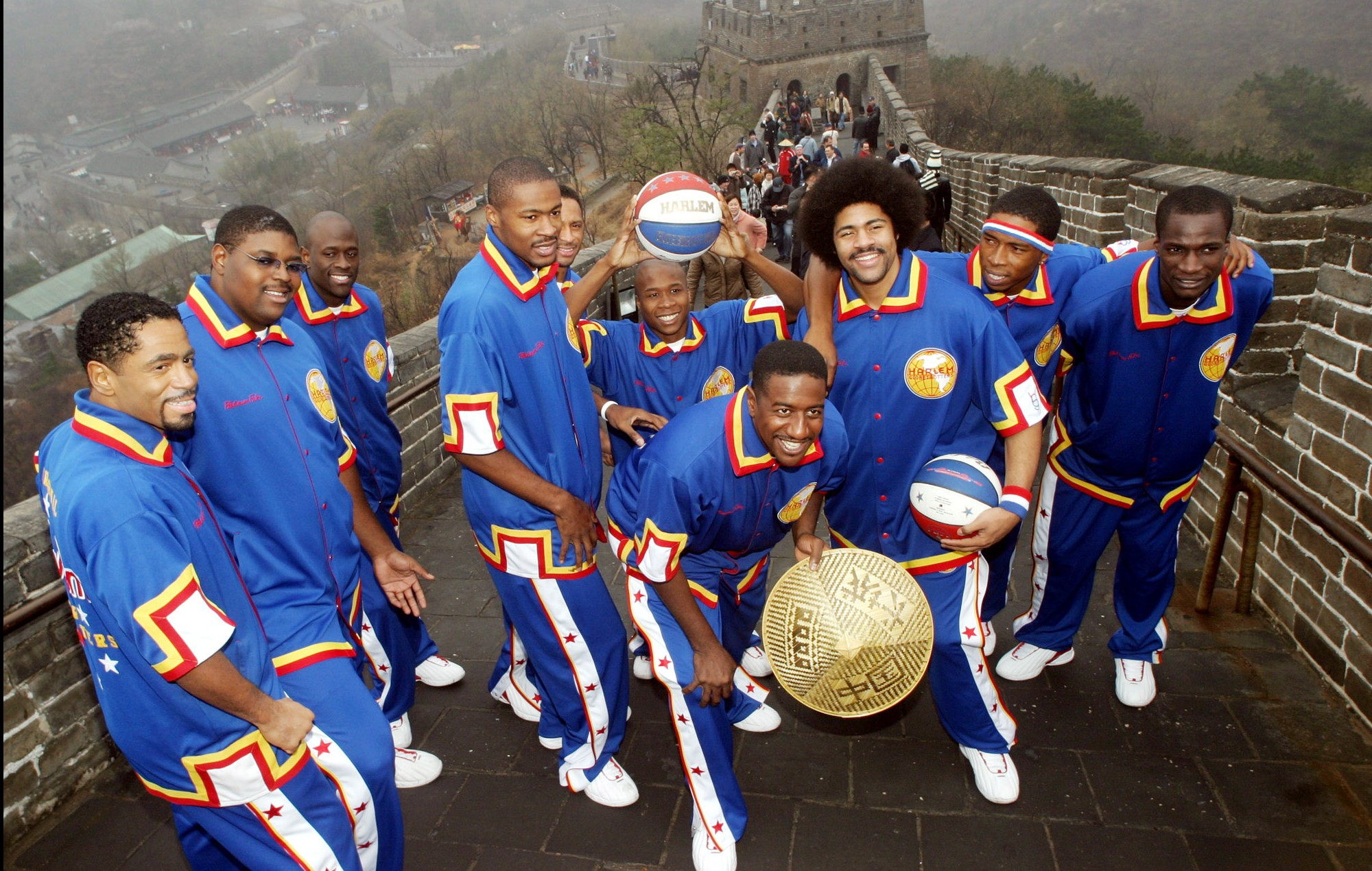 Members of the Harlem Globetrotters basketball team pose for pic