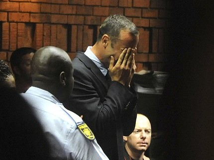 Oscar Pistorius is pulled out of Manchester race