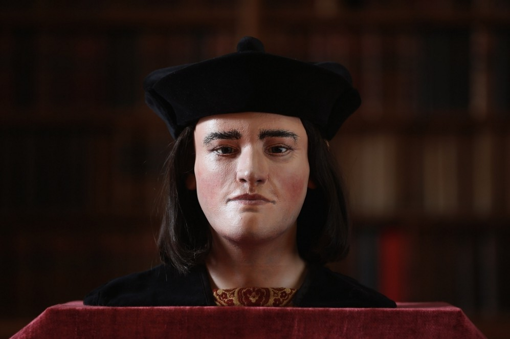 Richard III should be buried in York and not Leicester, descendants argue