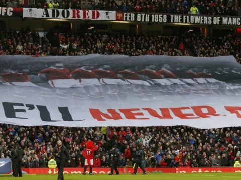 Manchester United fans unfurl banner in memory of Munich air disaster victims