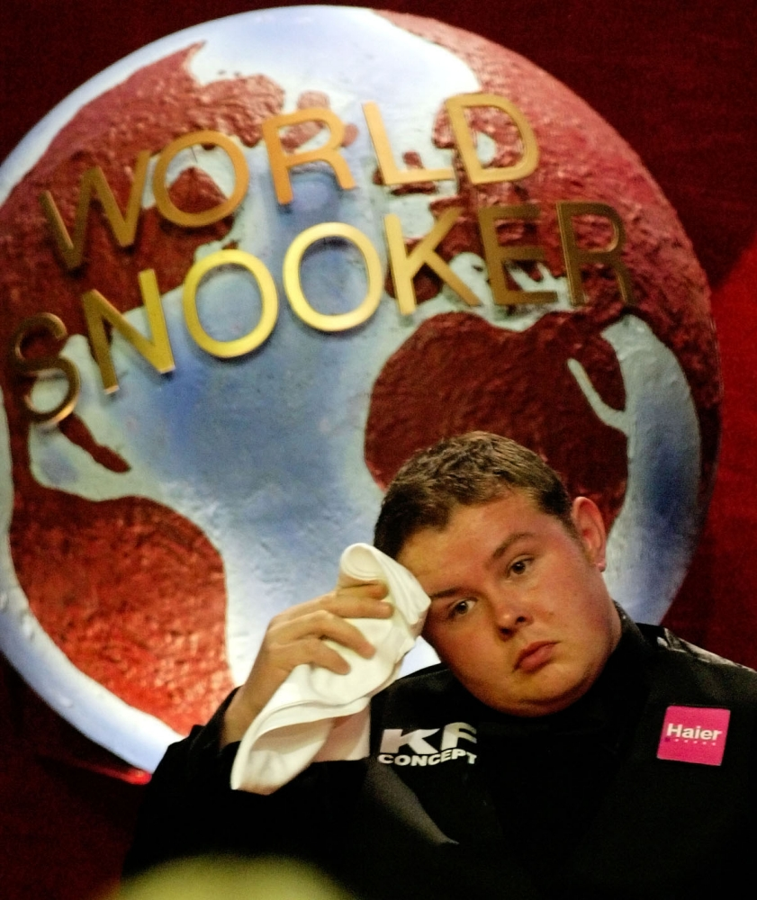 Stephen Lee 'has case to answer' following match-fixing investigation