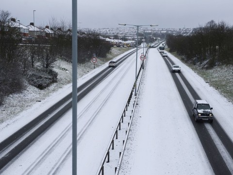 UK snow: Travel chaos hits roads and railways as blizzards bring a return to winter