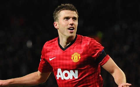 Michael Carrick returns to Manchester United after eye infection rules him out for England