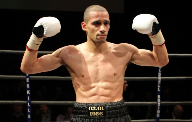 Former footballer Curtis Woodhouse becomes British boxing champion, reportedly wins £250,000 bet and promptly retires
