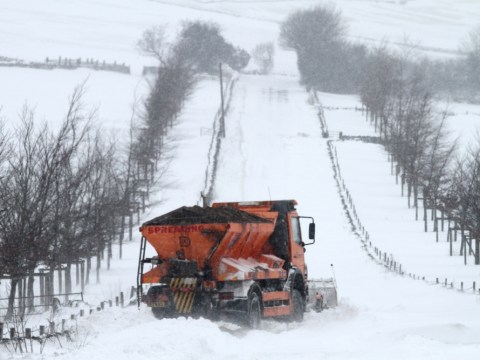 First white Easter in five years expected as severe weather brings death and destruction