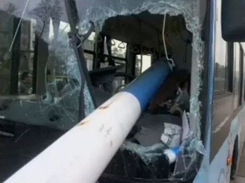 'Hero' bus driver saves passengers after huge lamp post smashes through windscreen