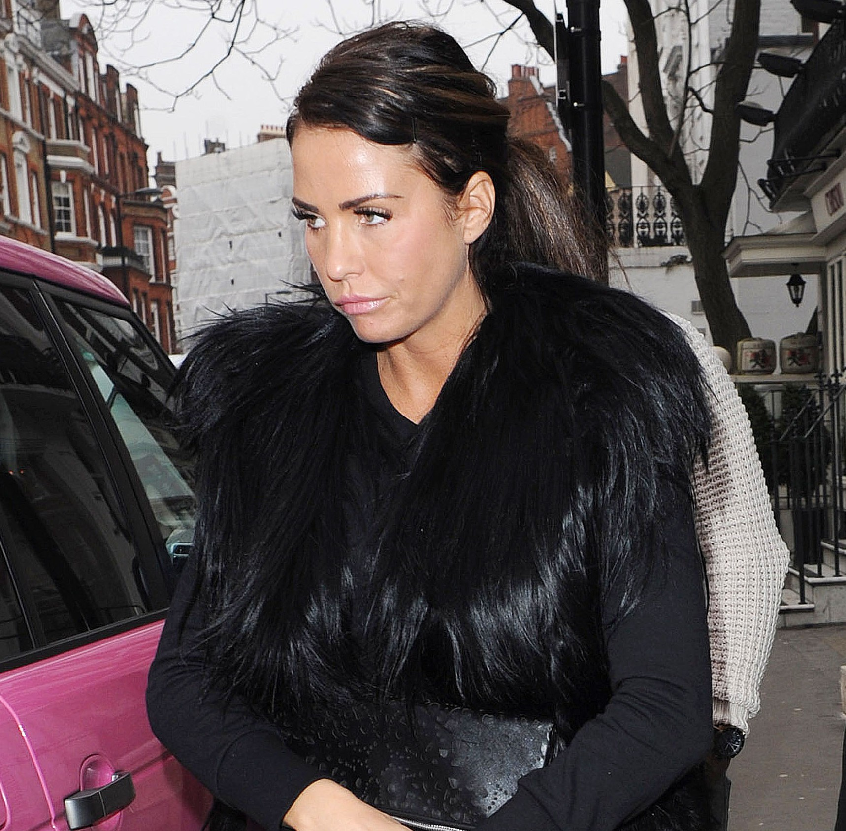 Katie Price calls the police on ex-husband Alex Reid accusing him of stealing her mobile phone