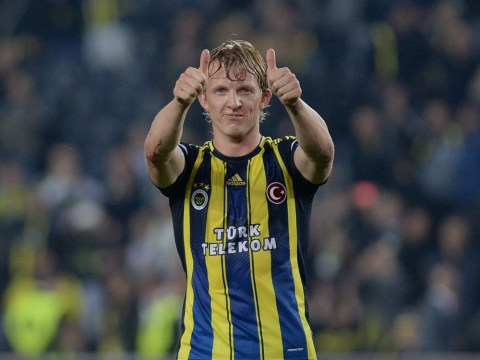 Cardiff want former Liverpool striker Dirk Kuyt to lend experience to their Premier League campaign