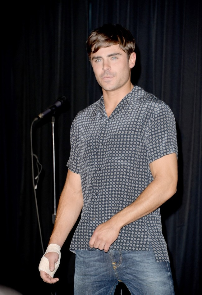 Zac Efron nervous during filming of sex scene with Heather Graham: 'I wanted to get it right'