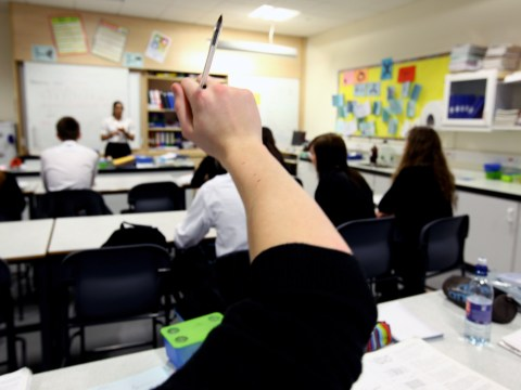 Teachers vote to spend only 20 hours a week in the classroom
