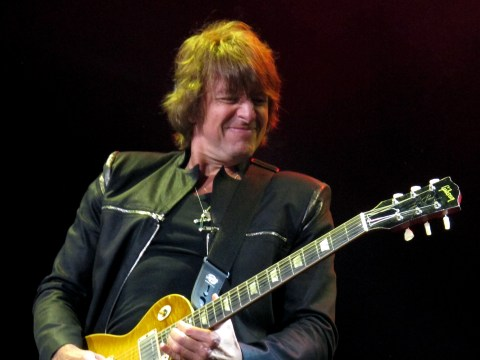 Richie Sambora quits Bon Jovi tour for 'personal issues'