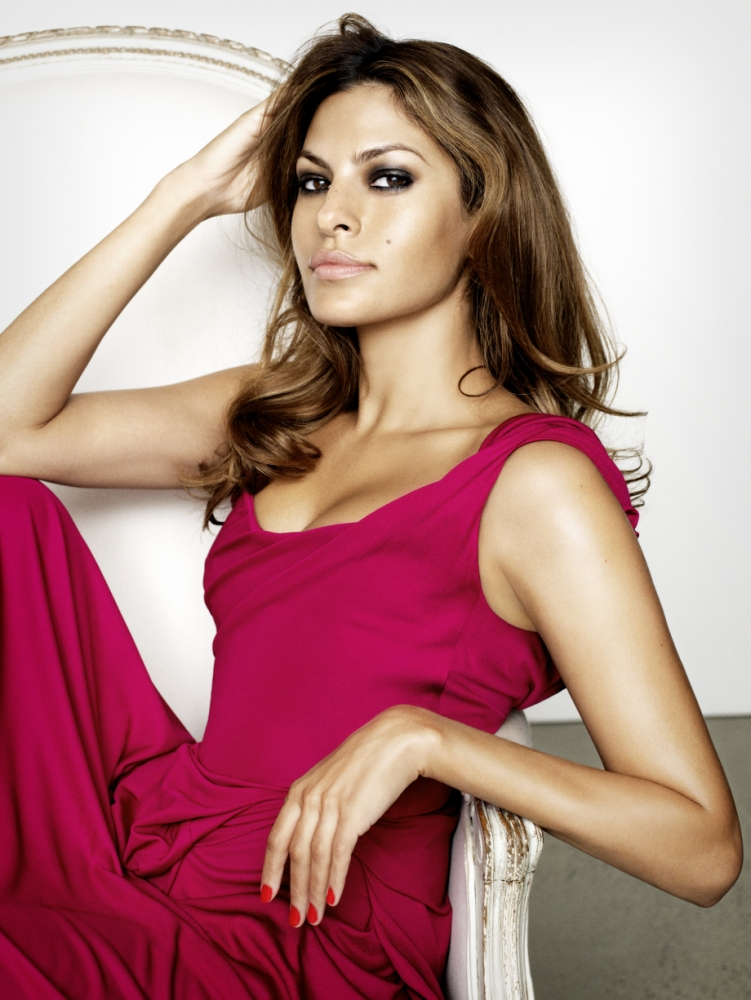 Eva Mendes: Ryan Gosling and I don't have sex scenes, we have intimate scenes