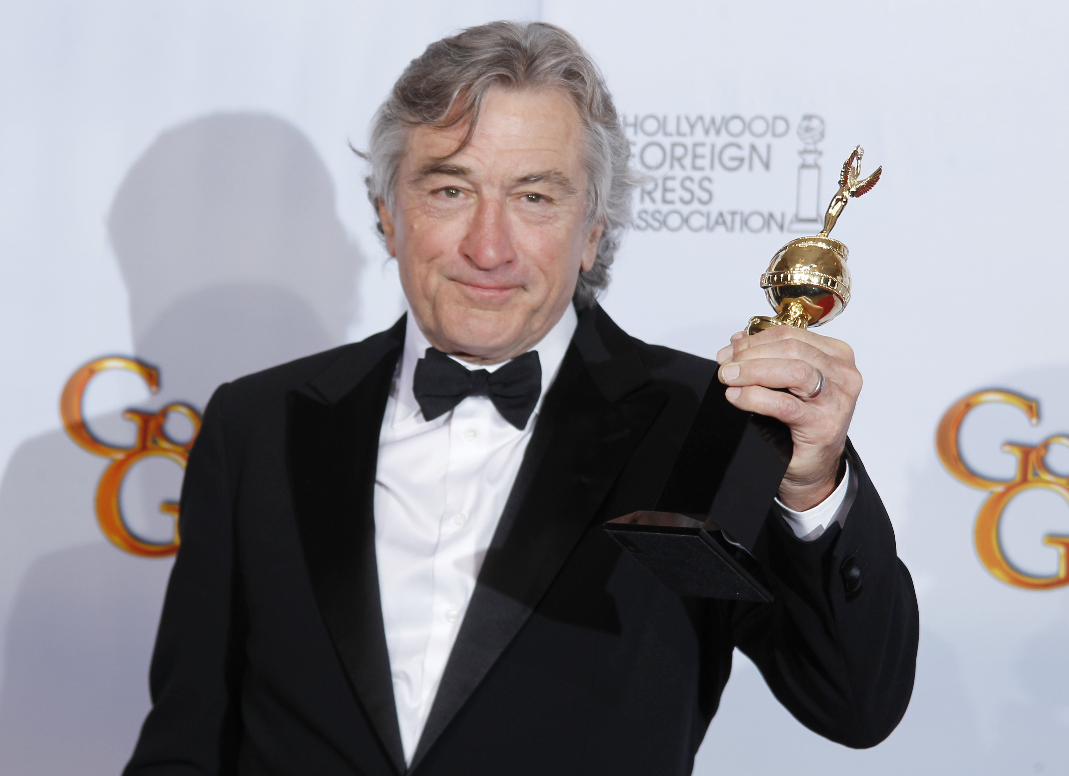 Robert De Niro has beaten Clint Eastwood and Leonardo Di Caprio to land the title of greatest actor ever
