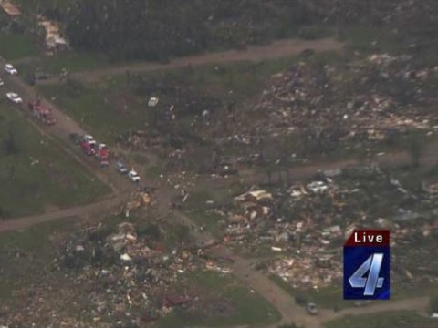 Deadly tornadoes up to half a mile wide tear across US leaving one dead and many injured