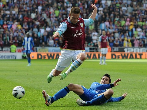 Aston Villa open contract talks in an effort to keep young striker Andreas Weimann