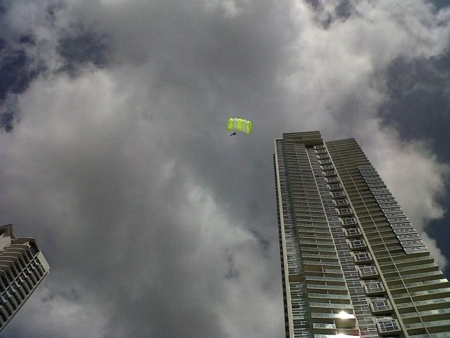 SOS Parachute