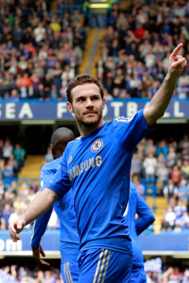 epa03707913 Juan Mata of Chelsea FC celebrates a goal during the English Premier League soccer match between Chelsea and Everton at Stamford Bridge in London, Britain, 19 May 2013.  EPA/TAL COHEN DataCo terms and conditions apply. https://www.epa.eu/downloads/DataCo-TCs.pdf