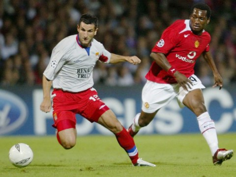 Manchester United failure Eric Djemba-Djemba signs for St Mirren