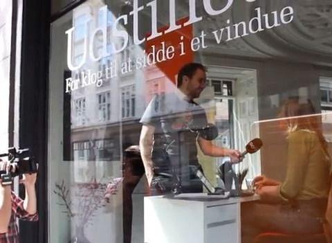 Danish jobseekers put themselves in the shop window