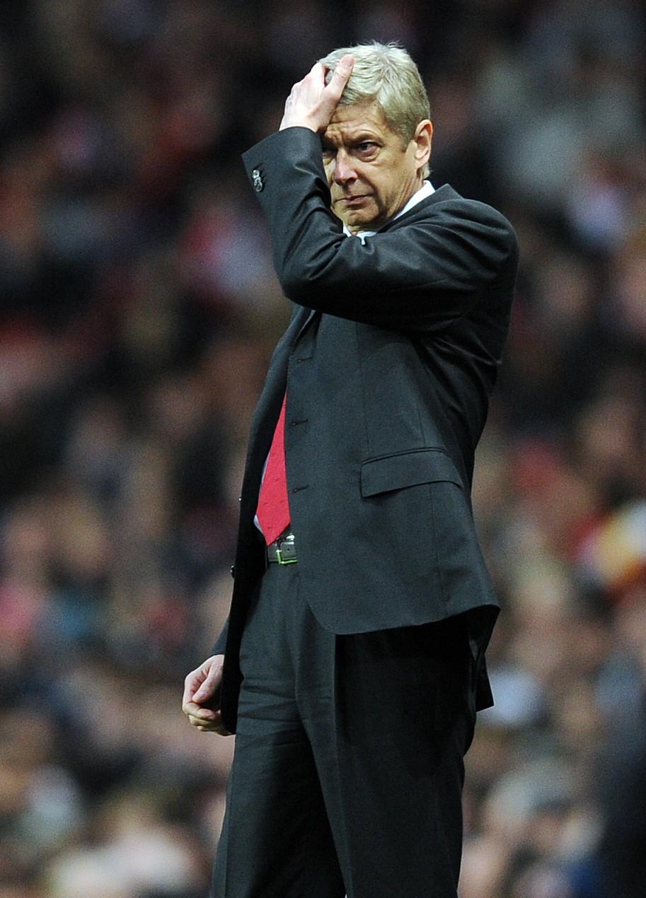 Arsenal's French manager Arsene Wenger g