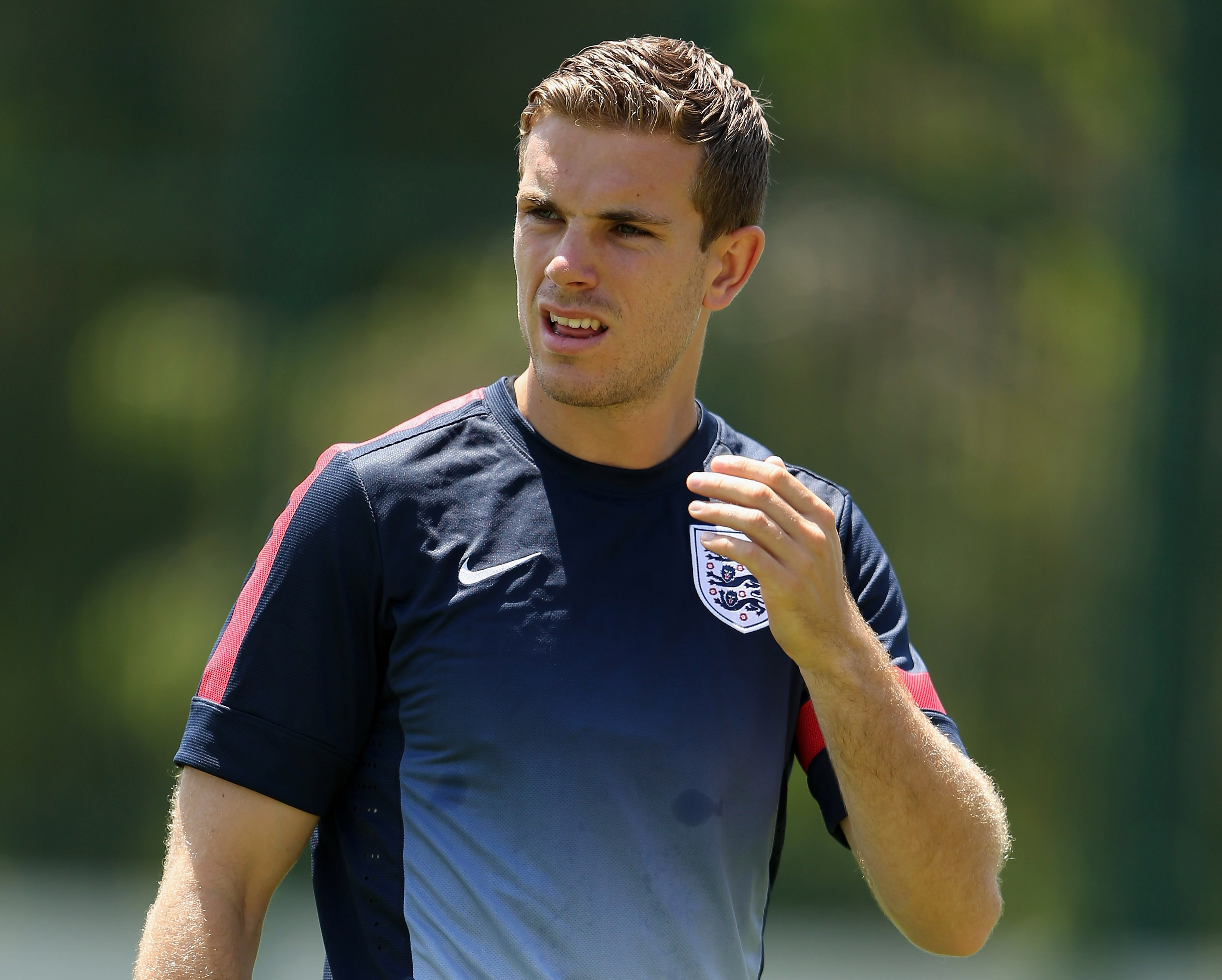 Jordan Henderson: Stuart Pearce must stay on as England Under-21 manager