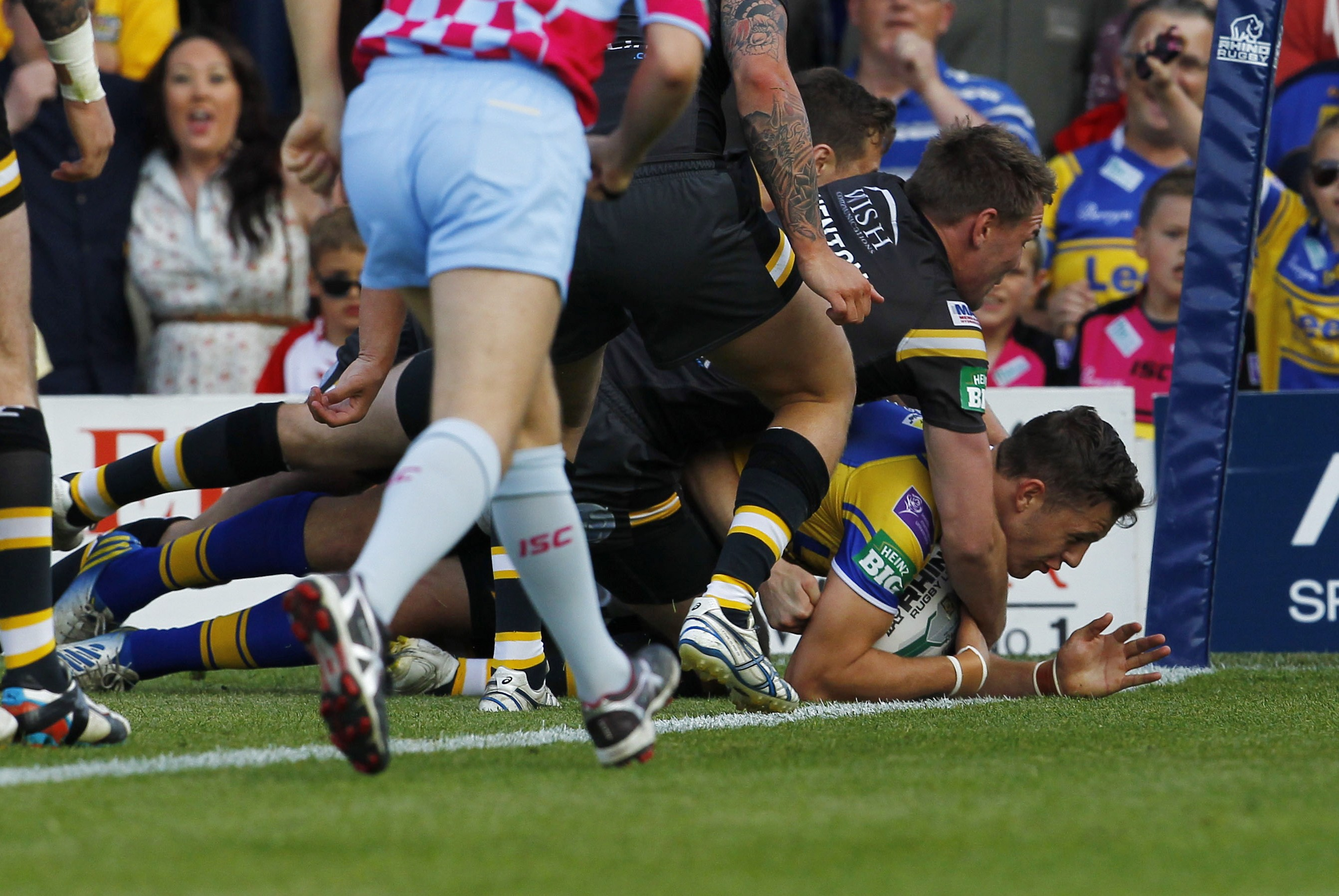 Leeds Rhinos star Thomas Minns shells out £340 on tickets to his own match
