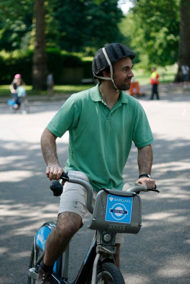 Metro cycle helmet