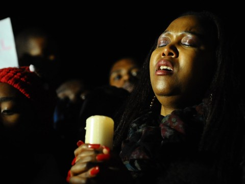 Gallery: South Africans hold vigil as Nelson Mandela remains critically ill