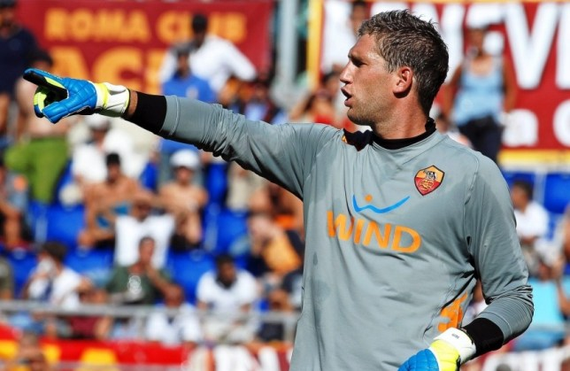 epa03732299 (FILE) A file picture dated 11 September 2011 shows AS Roma's Dutch goalkeeper Maarten Stekelenburg during the Italian Serie A soccer match against Cagliari Calcio at Olimpico stadium in Rome, Italy. English Premier League side Fulham FC signed Dutch goalkeeper Maarten Stekelenburg on a four-year contract from AS Roma, the Italian Serie A club confirmed on 05 June 2013.  EPA/ANDREA STACCIOLI