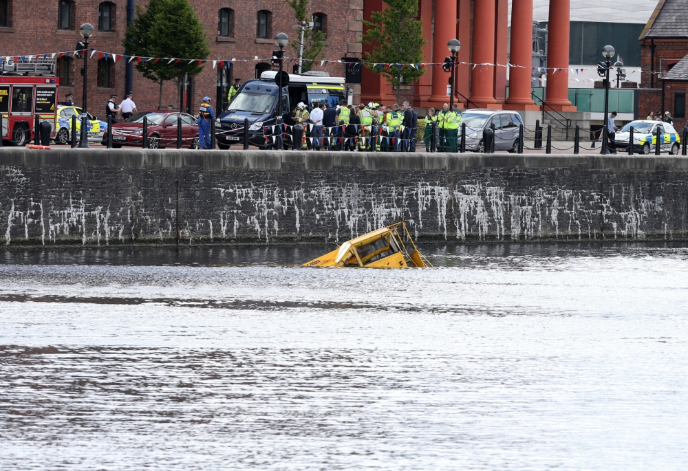 31 rescued after amphibious tour bus sinks in Liverpool dock
