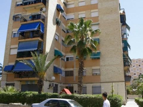 Newborn baby found abandoned in drain under Alicante block of flats