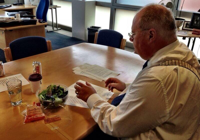 Shamburger: Eric Pickles trolls George Osborne by tweeting picture of himself eating a salad